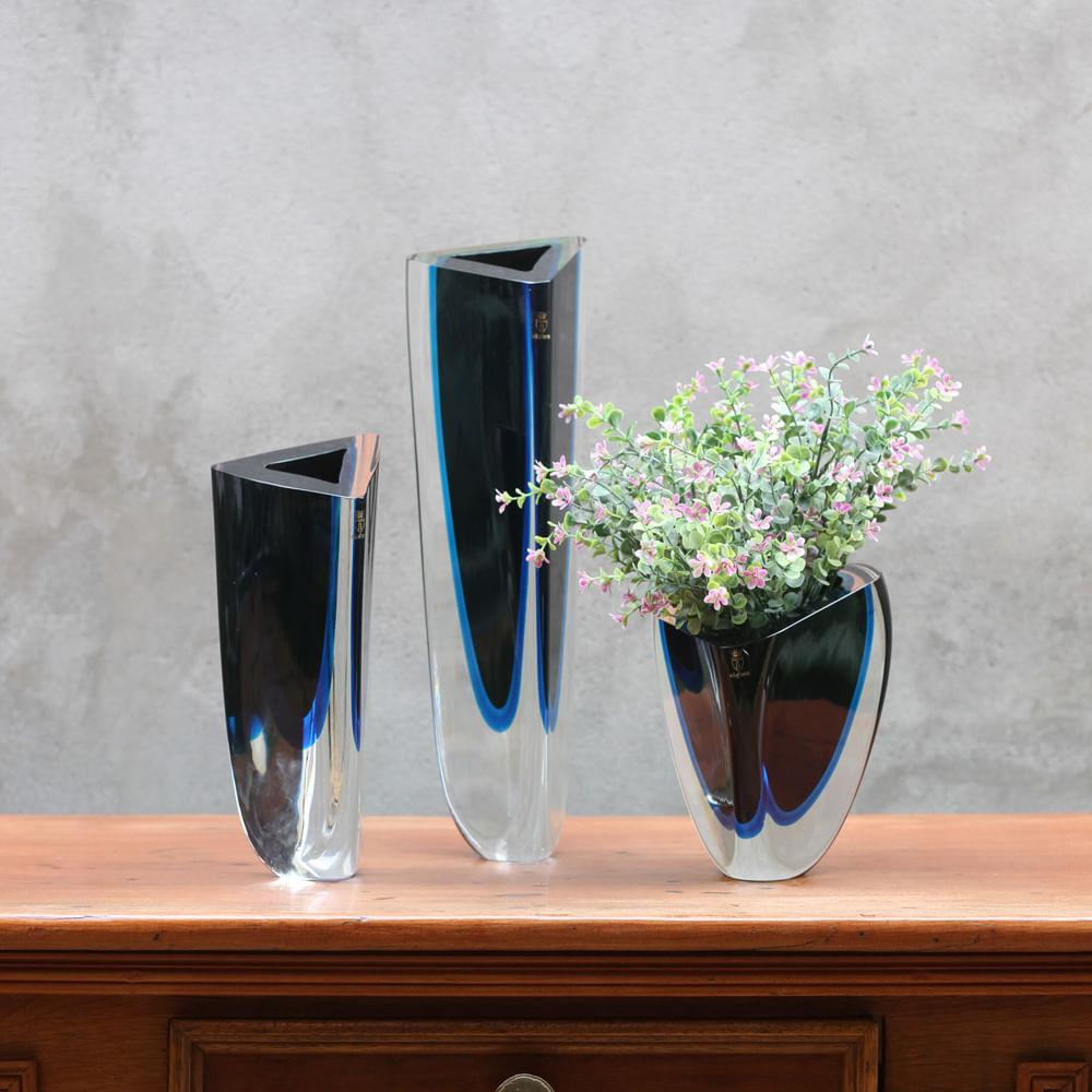 Vaso Triangular nº 4 Bicolor Preto com Água-marinha Murano Cristais Cadoro
