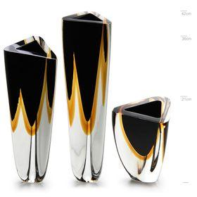 triangulares-preto-ambar