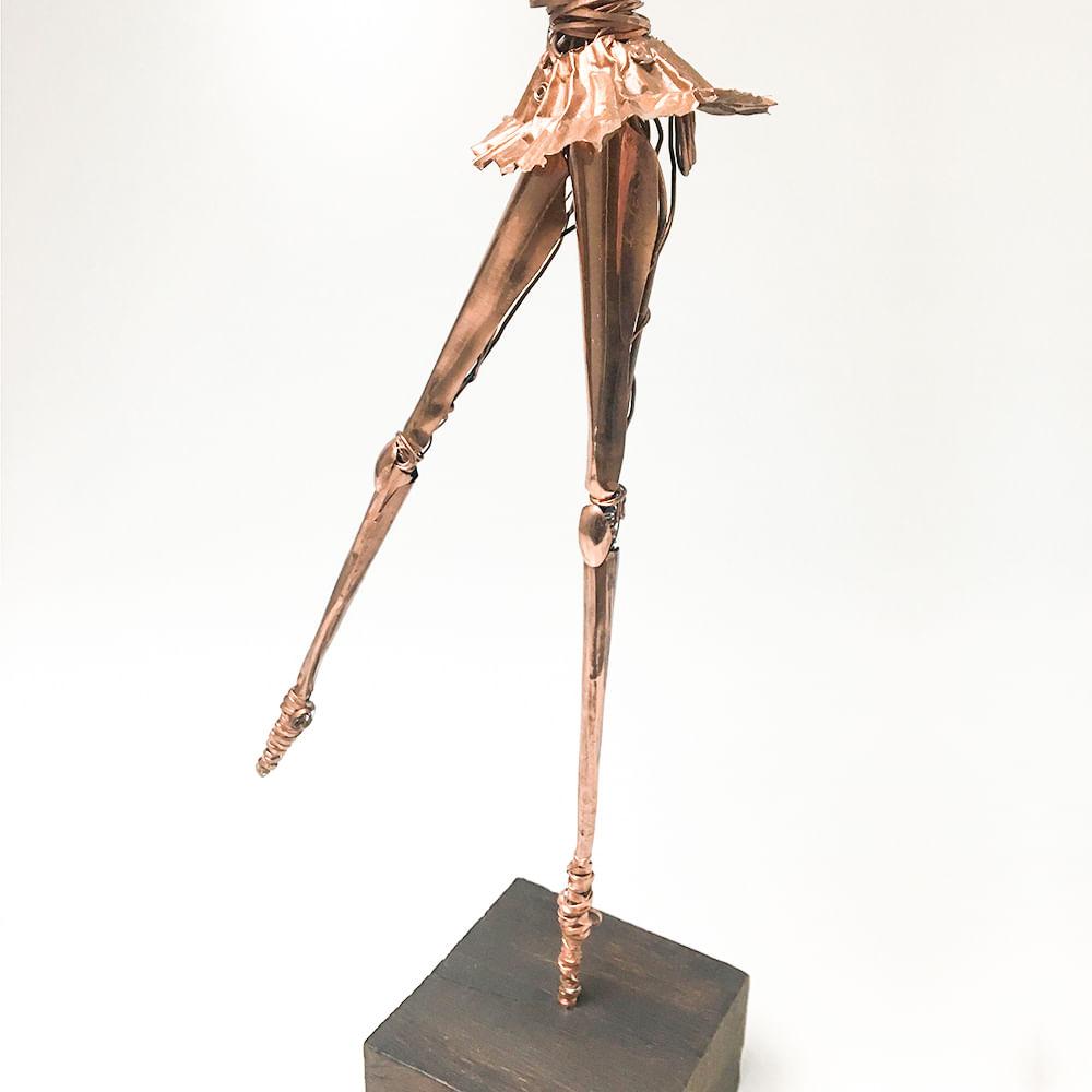 Figura Bailarina em Cobre 53 cm
